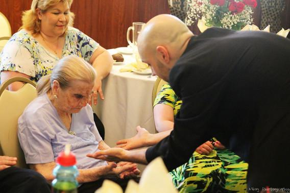 Magic-For-Elderly