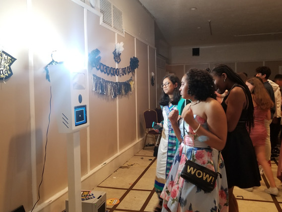 Social-Photo-Booth-Teens-Event.jpg