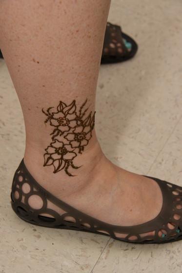 Henna-Leg-Tattoo.JPG