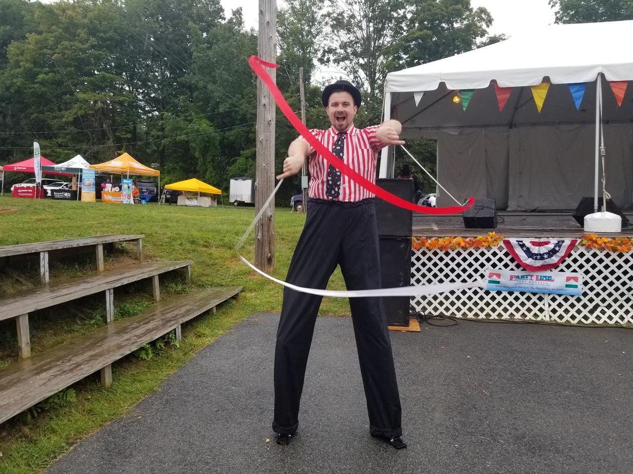 Stilt-Artist-At-Circus-Event.jpg