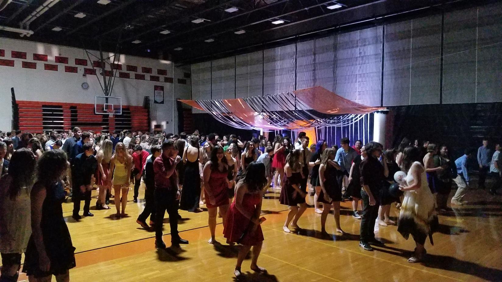 Students-Dance-Event.jpg