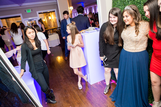 Braircliff-Manor-Sweet-Sixteen-Mirror-Photo-Booth-Party-Favorjpg