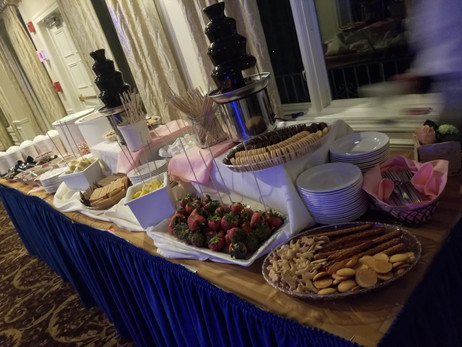 Chocolate-Fountains-At-Party.jpg