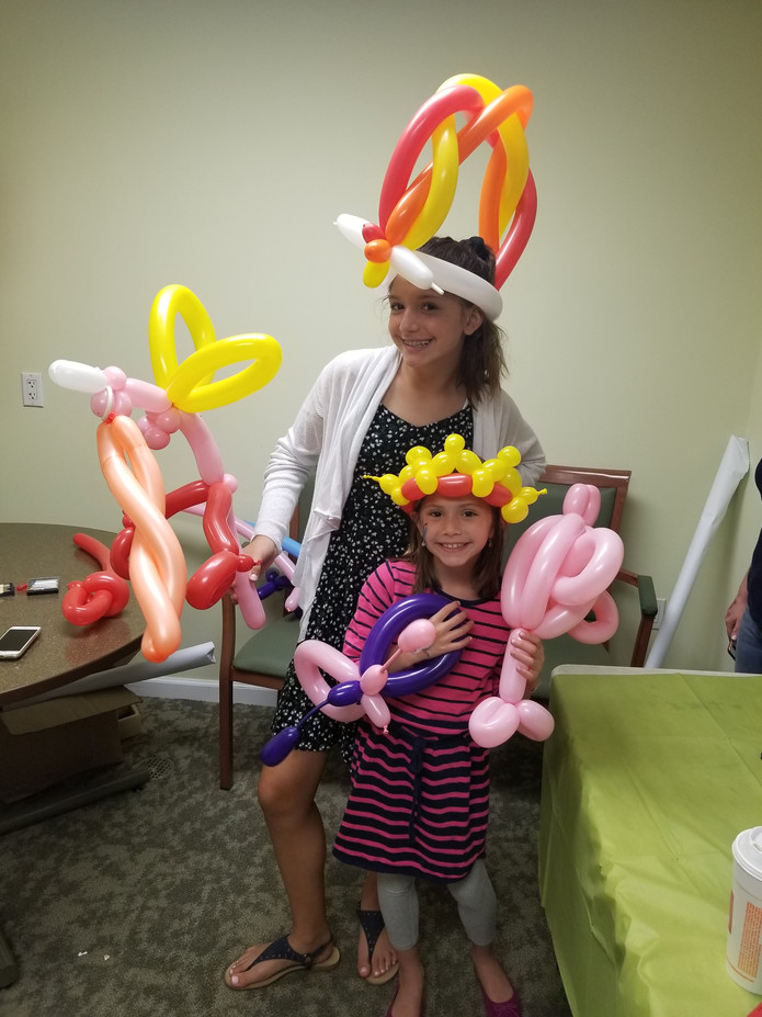 Crown-And-Hat-Balloon-Twisting.jpg