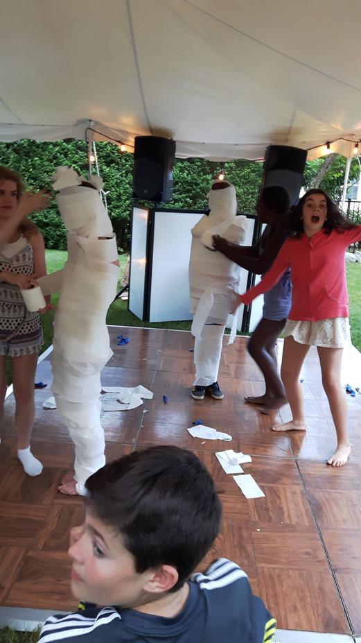 Fun-Dj-Dance-Parties.jpg