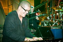 Miguelito-Nuñez-in-concert2