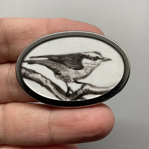 Bird Broach (oval) by Harriet Taylor-Thorpe