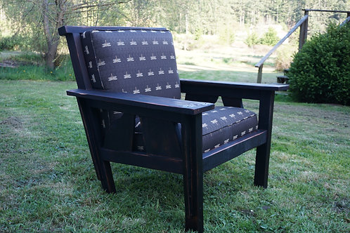 Craftsman Style Sway Back Chair