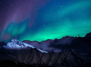 landscape-photo-of-mountain-with-polar-l