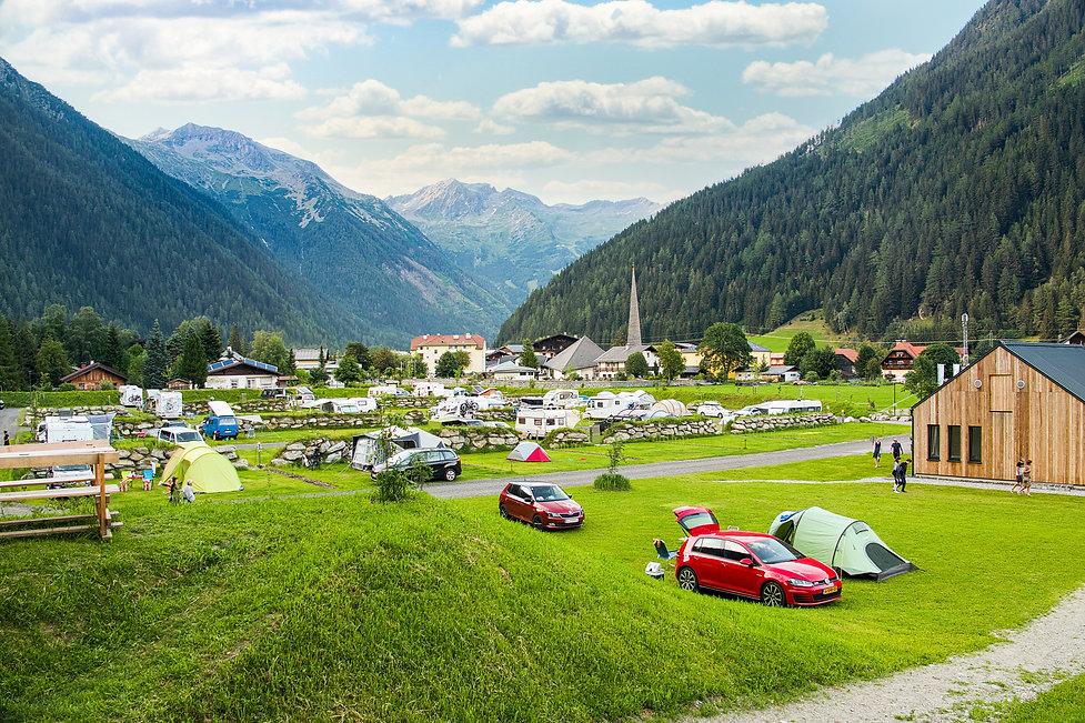 hochOben_Campingplatz.jpg