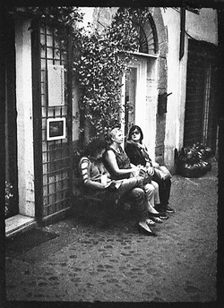 Rome- women resting