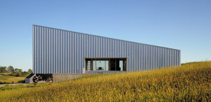 galvanized-metal-cladding-house-built-on-budget-2