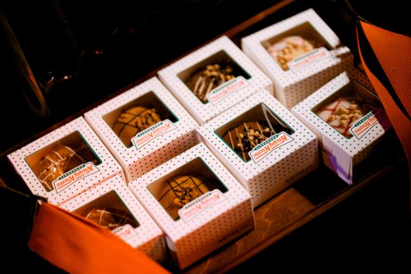 Krispy Kreme - Doughtown- Kit and Cabood