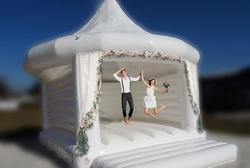 Weiße Hüpfburg für Hochzeiten mieten bei your wedding party Fula