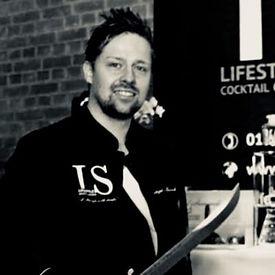 Christopher Grösch von Lifestyle Cocktail-Catering