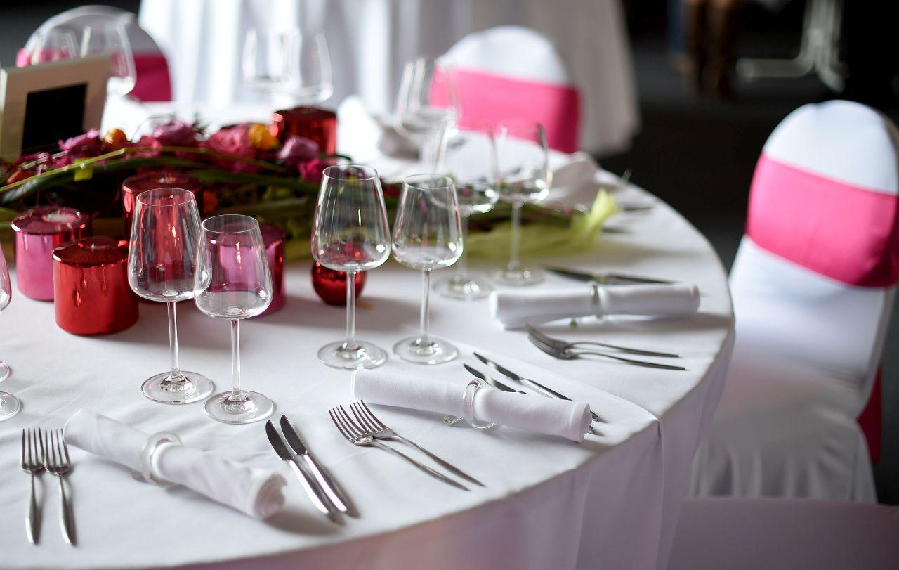 Hochzeitsmesse_rot pinke Dekoration_8