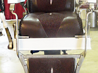 Old School Barber Chairs vs. New Barber Chairs