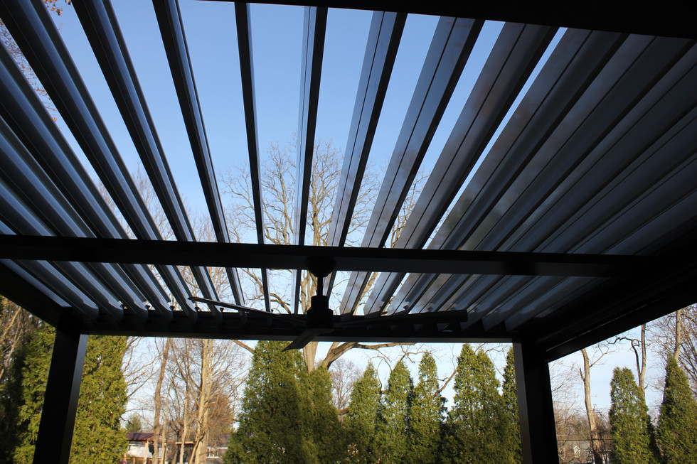 Pergola outdoor living louvered.roof