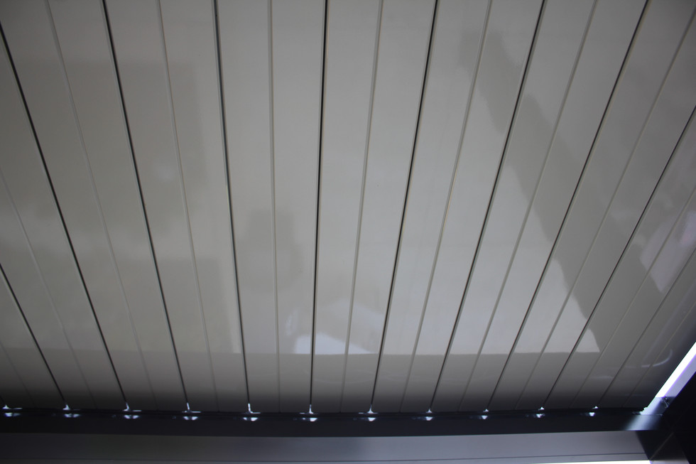 Louvered roof luxury
