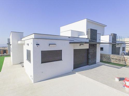 בשכונת רובע חן בקצרין , דו משפחתי  חדש לחלוטין  5 חדרים ברמה גבוהה מאוד