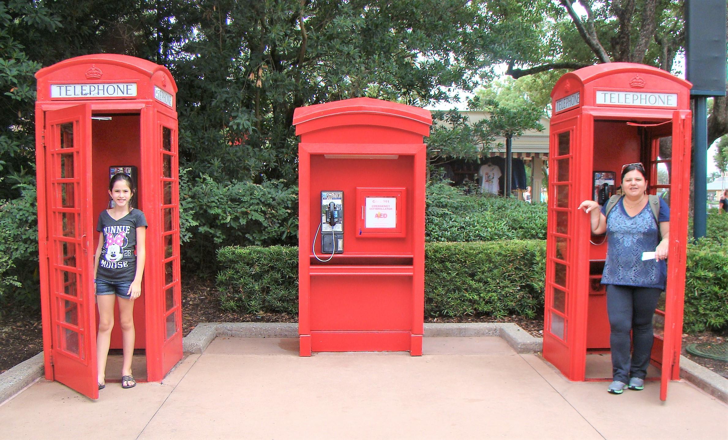 Os famosos telefones vermelhos de Londres
