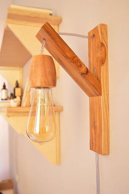 Luminária - Bocal de madeira