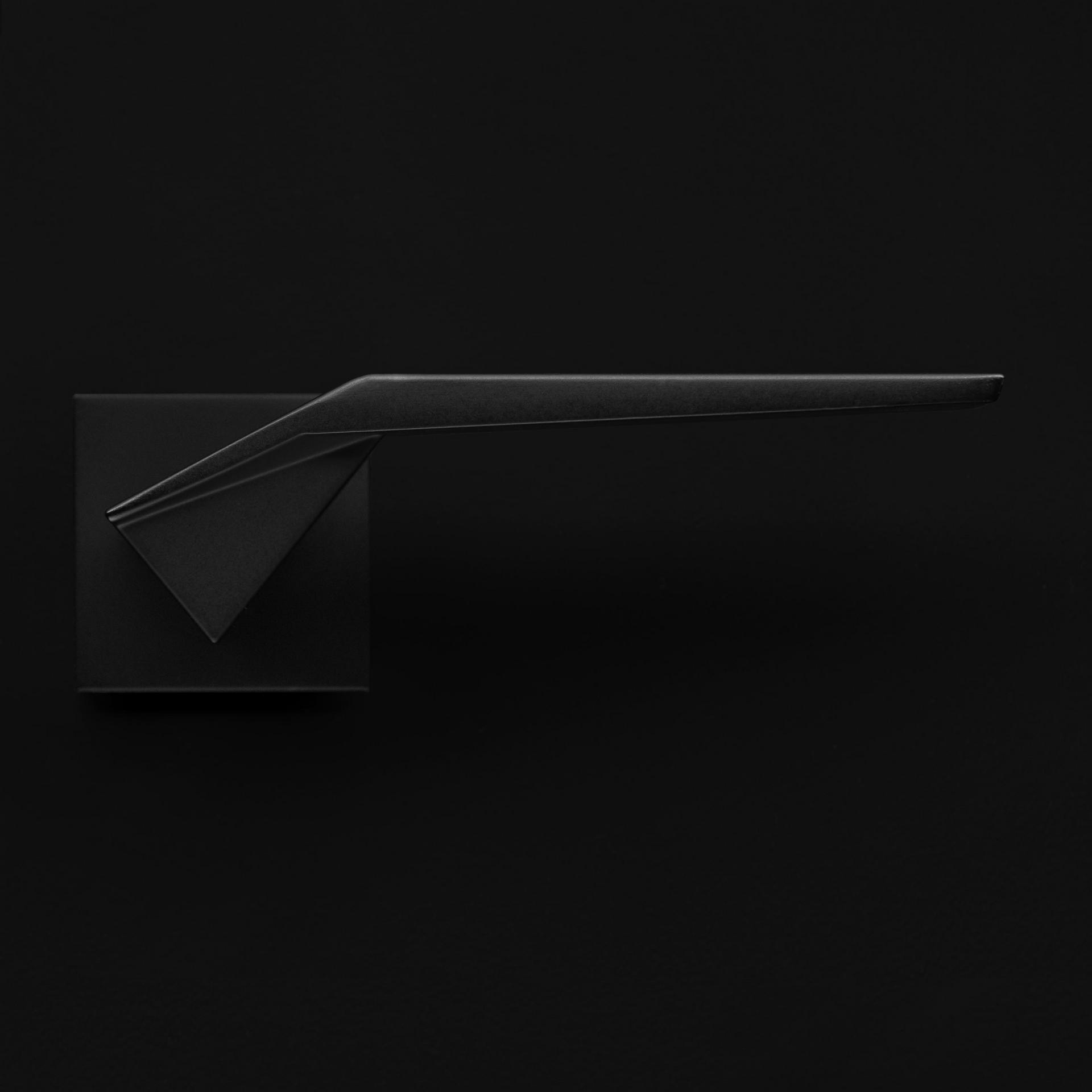 man origami.png