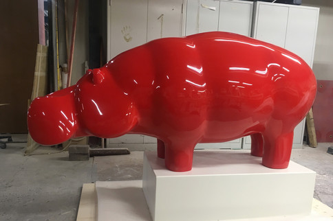 red-hippo-sculpture-ninonart-erasmus_edi