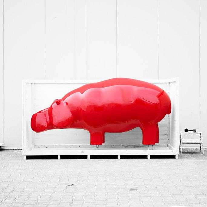 hippo-red-sculpture-travel-ninonart_edit