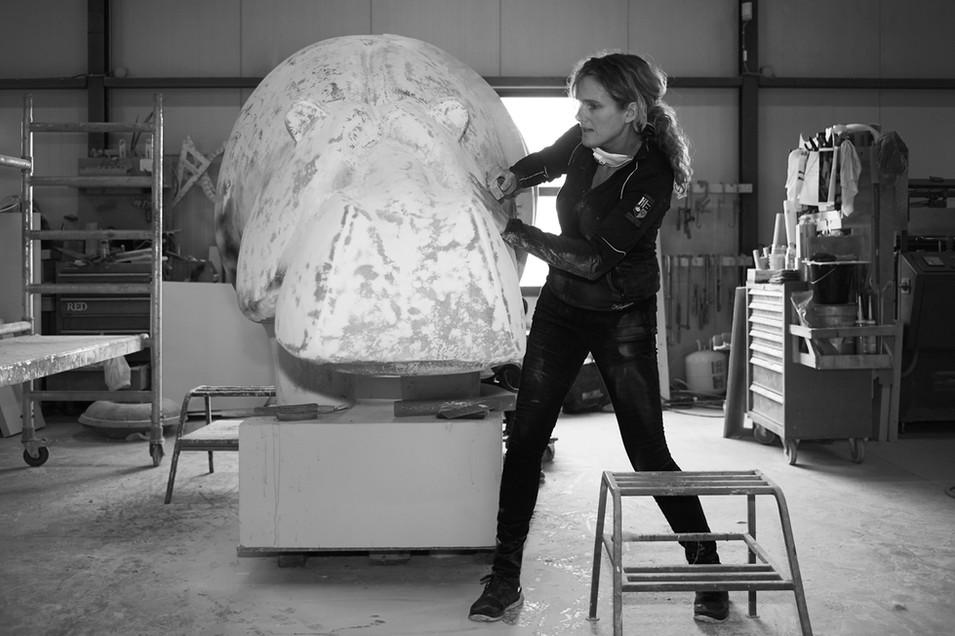 making-hippo-sculpture-ninonart-3.jpg