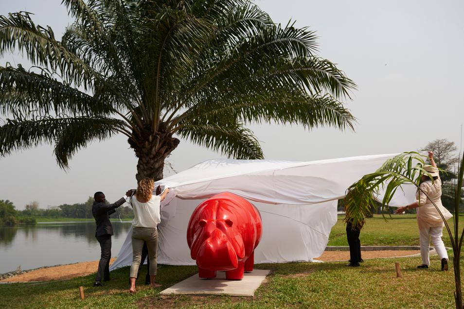 hippo-sculpture-senchi-press-uncovering-