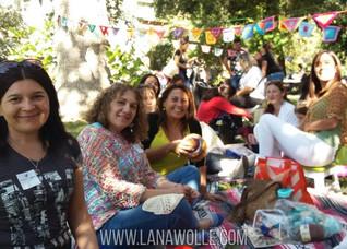 Junta de Tejedoras en Quinta Normal · Tejiendo Amistad