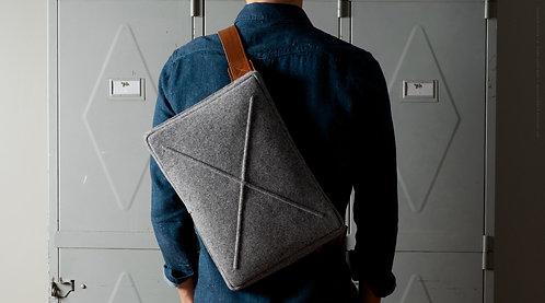 Laptop bag - woolen felt