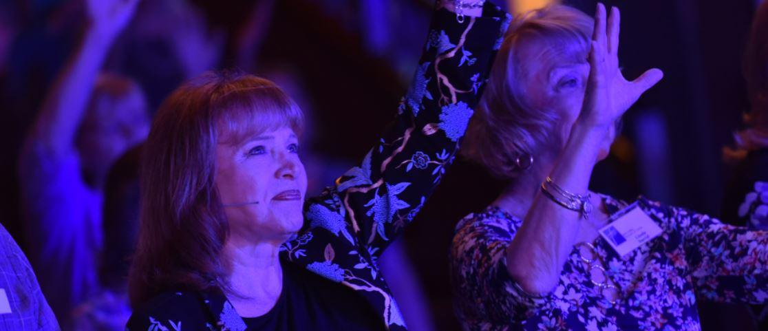 Carol Kent Praise Gathering_13