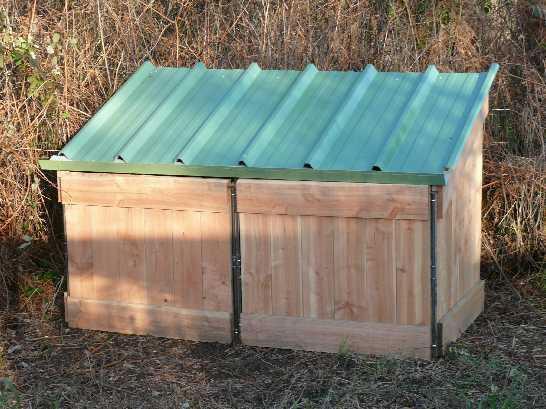 Composteur bois toit tole fixations inox recuperation eau pluie