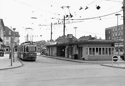 M4-Tw 961 in der Wendeschleife Waldfriedhof 11.4.1965 München tram