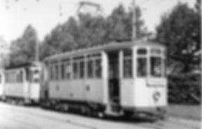 Ein Mailänder  der Linie 37 auf dem Weg zur Hohenzollernstrasse münchen tram