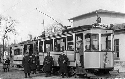 B-Tw 396 an der Endhaltestelle Notburgastraße mit Personal 1908 münchen tram