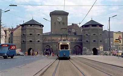 J-Tw 720 am Isartorplatz auswärts 1968 tram münchen