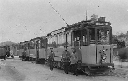 E-Tw 593 in der Romanstraße mit Personal 1926 tram trambahn münchen