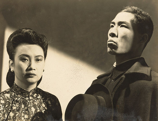 Film still of Hu Die starring as Madame Yu in Madame X, 1946, produced by Zhonghua Film Company and directed by He Feiguang.