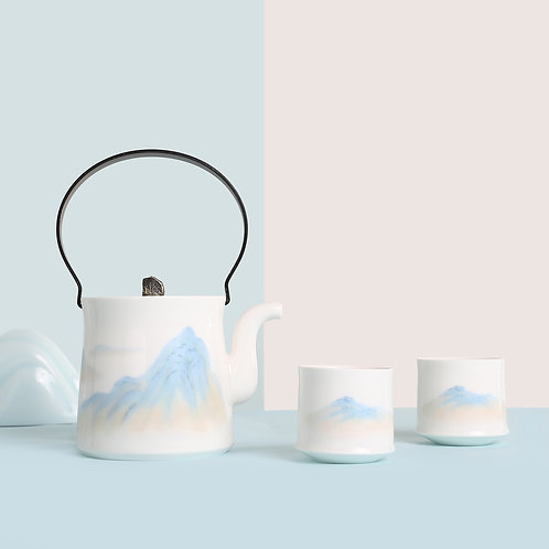 A Thousand Miles of Rivers  and Mountains Tea Set