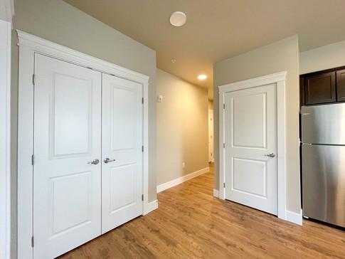 Closet in LG 2x2