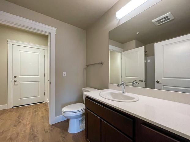Guest Bathroom in LG 2x2