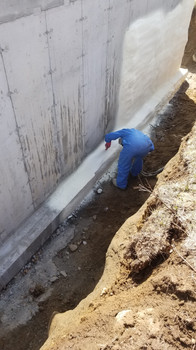 Foundation spray