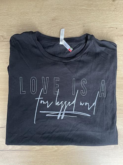 Love has 4 legs tee - XL