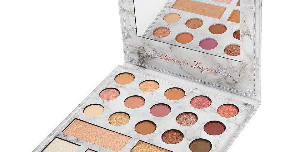 Carli Bybel Deluxe Edition BH Cosmetics