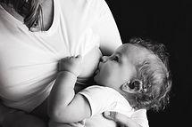 breastfeeding-2428378_1920.jpg