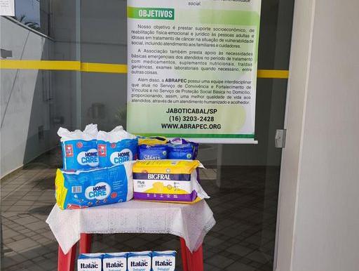 Jaboticabal – Grupo de amigos se unem e realizam doação para a ABRAPEC.