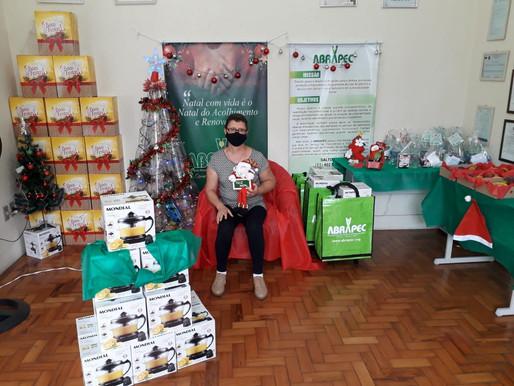 Salto – Unidade da ABRAPEC deu inicio a entrega das cestas natalinas.
